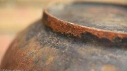 Closeup Of Rusty Heat Ring On Wagner Sidney O Scotch Bowl Size 5