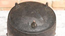 Rusty Unrestored Bottom Gate Mark Bean Pot